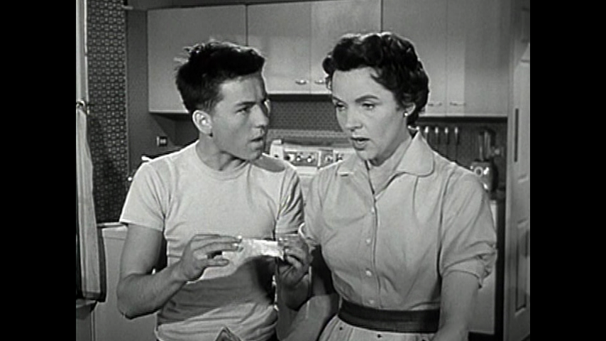 Father Knows Best: S3 E6 - Spaghetti For Margaret