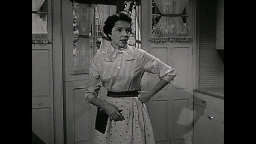 Father Knows Best: S3 E1 - No Apron Strings