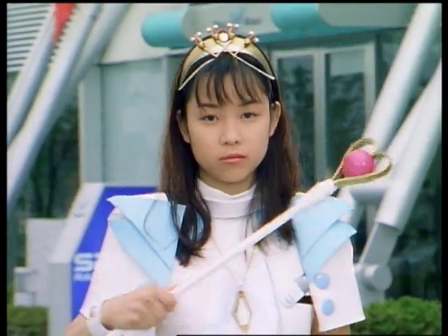 Gekisou Sentai Carranger: Meddling In Love, The Intruding Girl